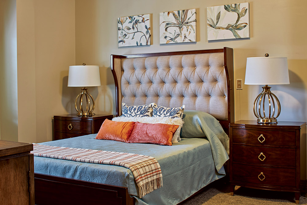 Senior Living bedroom at Woodcrest at Blakeford