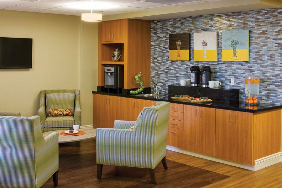 Aptura designed casual bistro area at Texas Health Presbyterian Hospital with Maxwell Thomas furniture