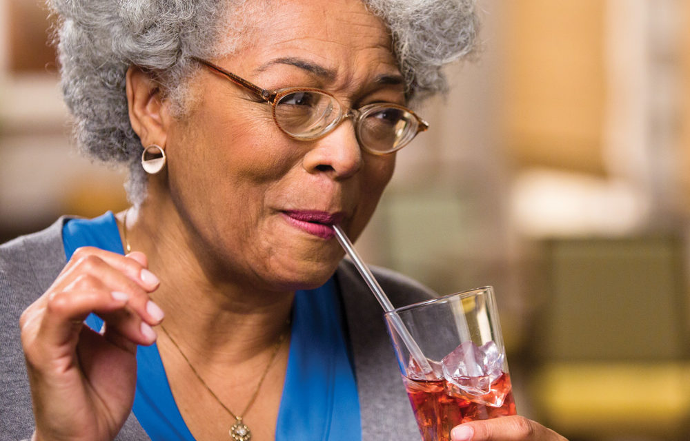 5 Easy Ways to Promote Healthy Hydration for Seniors This Summer