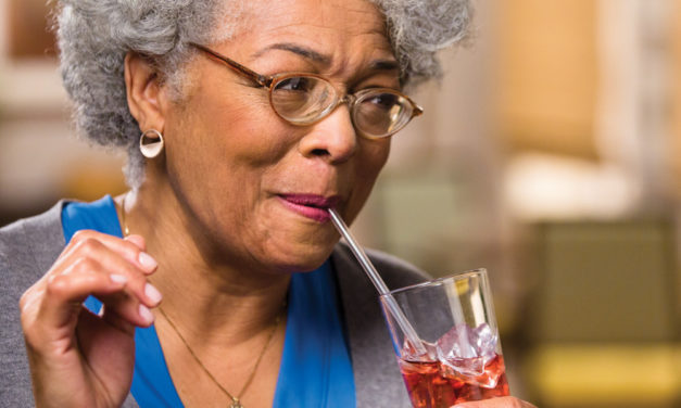 5 Easy Ways to Promote Healthy Hydration for Seniors ThisSummer