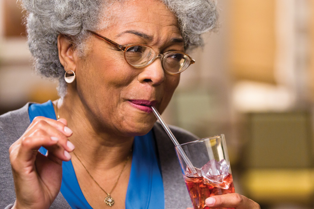5 Easy Ways to Promote Healthy Hydration in Seniors This Summer