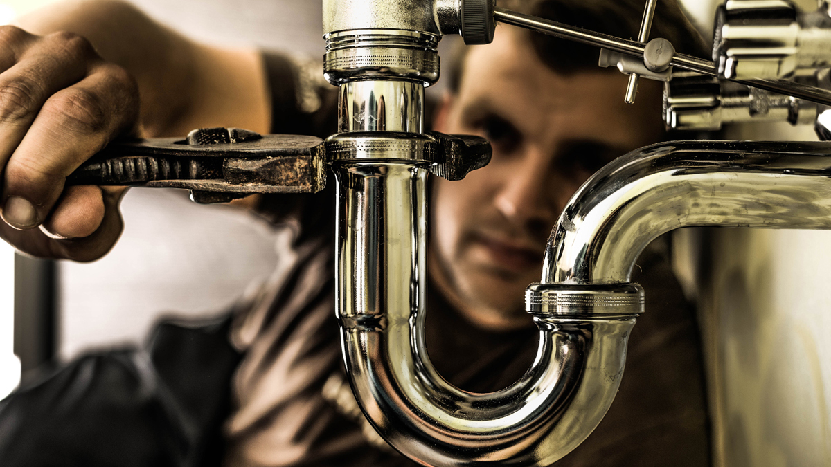 How to Winterize Pipes in a Day without Calling a Plumber
