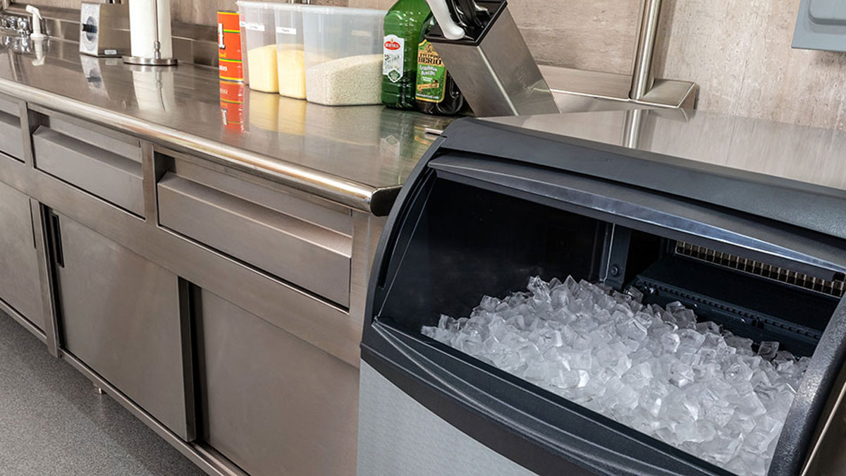 8 Factors for Choosing a Commercial Ice Machine