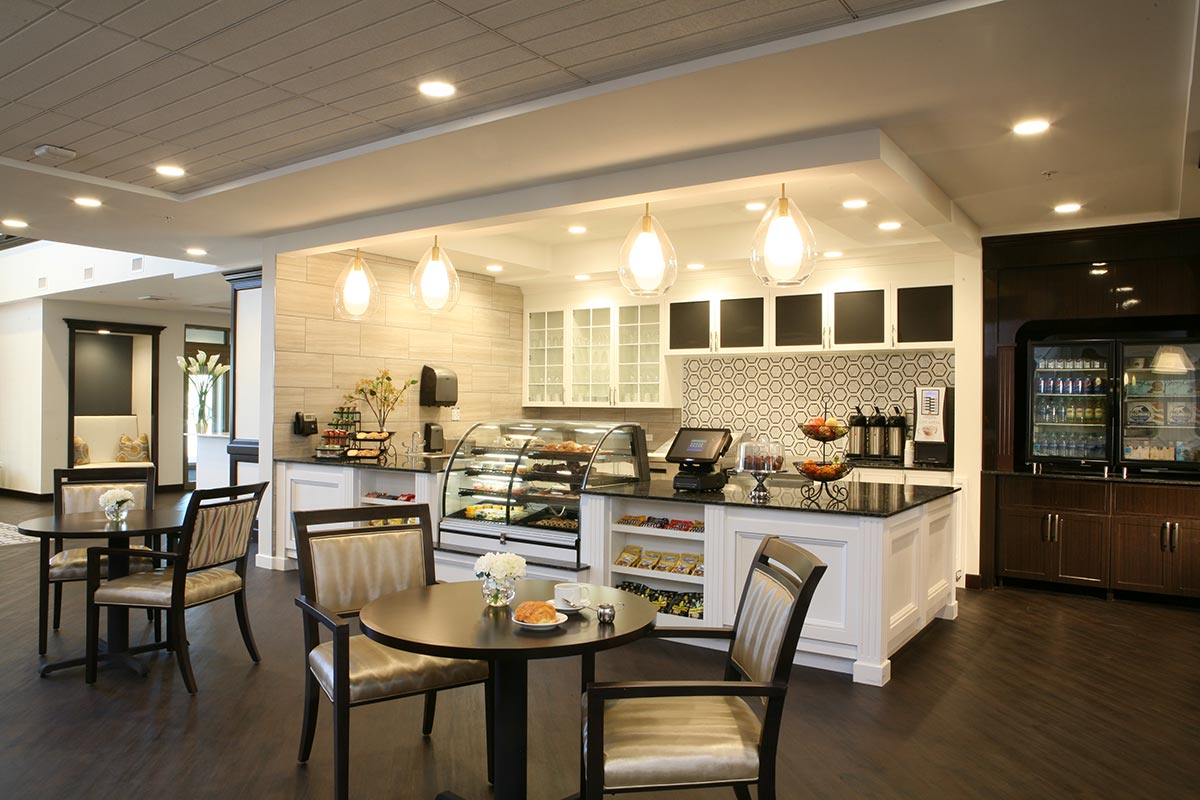 5 Innovative Senior Living Dining Trends Post-COVID-19