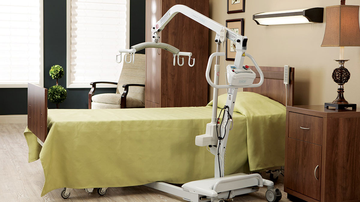 Boost Senior Safety in Assisted Living with Mobility Aids and Transfer Devices